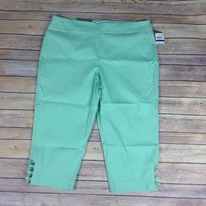 JM Collection size PXL mint julip Capri pants